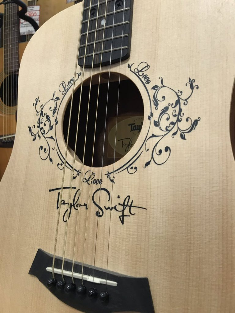 Taylor Swgft Baby T入荷!!